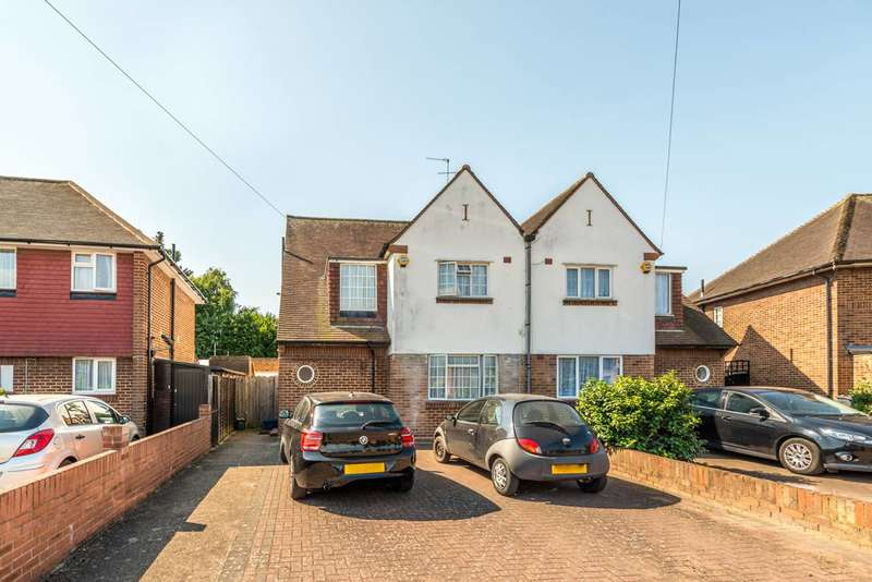 3 Bedrooms Semi Detached House for sale in Shelson Avenue, Feltham, TW13