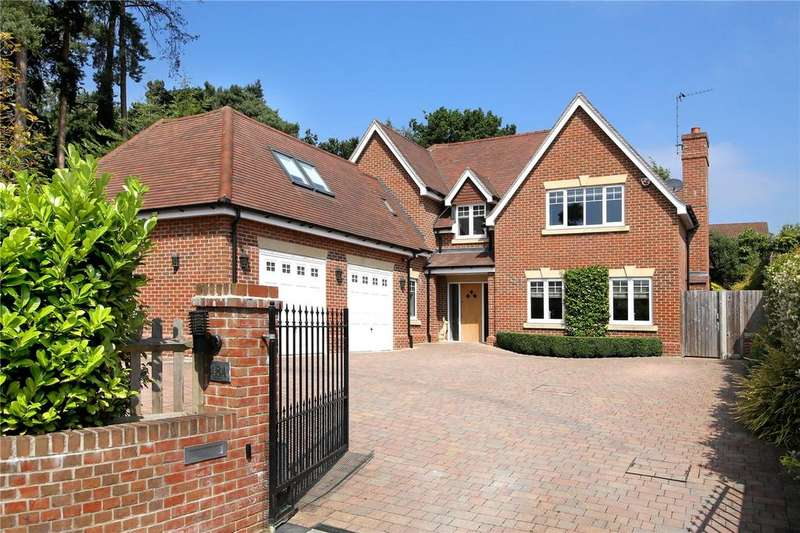 5 Bedrooms Detached House for sale in Ambleside Road, Lightwater, Surrey