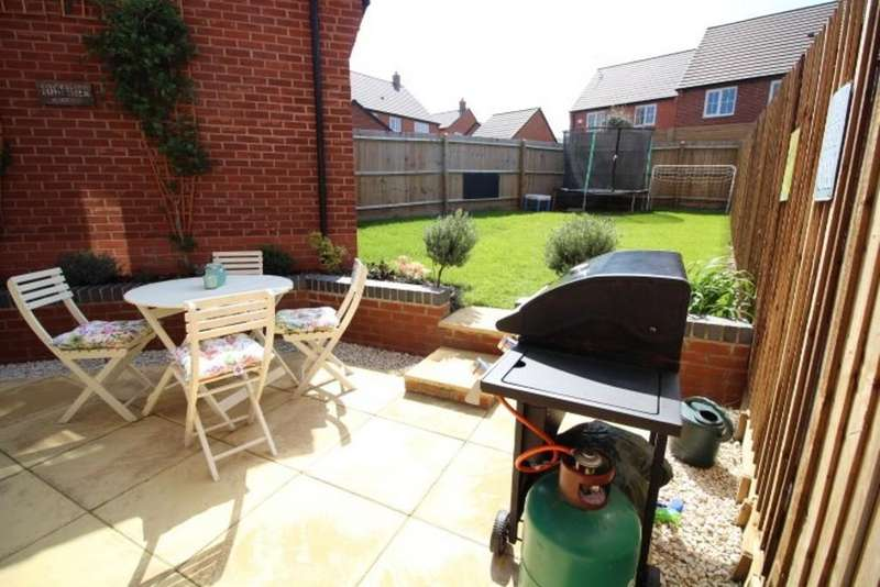 4 Bedrooms Semi Detached House for sale in Middle Green, Rothley