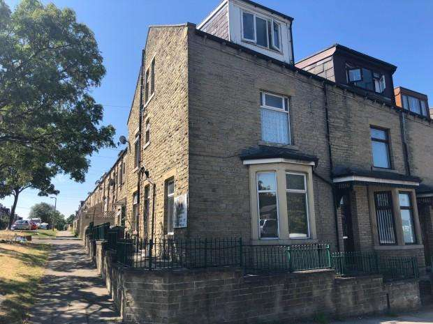 4 Bedrooms End Of Terrace House for sale in Sandford Road, Bradford, BD3