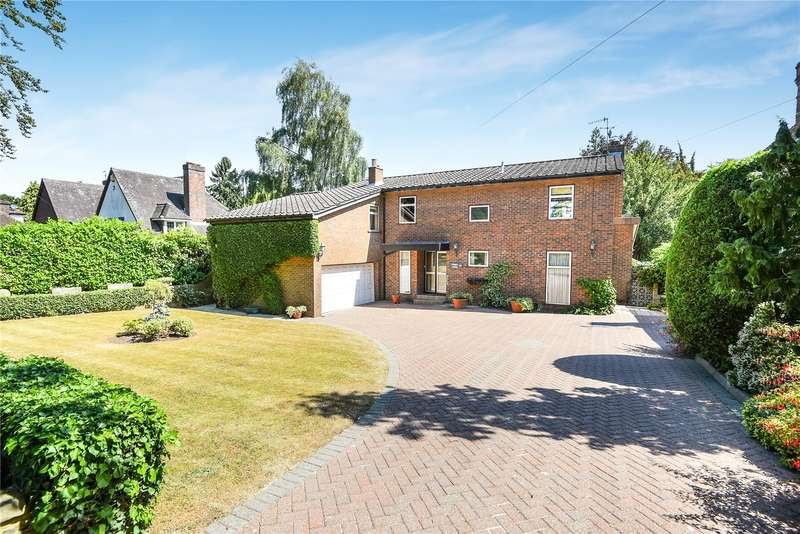 4 Bedrooms Detached House for sale in Wolsey Road, Moor Park, Middlesex, HA6