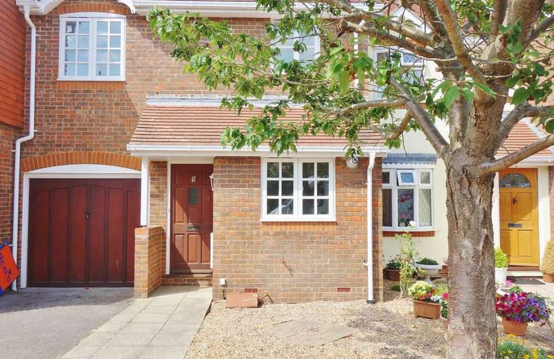 2 Bedrooms Property for sale in Gainsborough Mews, Fareham