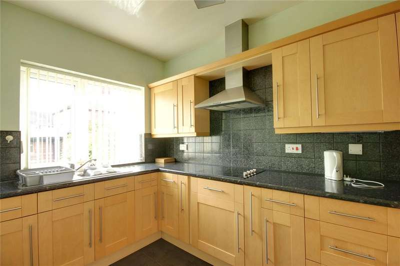 4 Bedrooms Semi Detached House for sale in Huntcliffe Avenue, Redcar