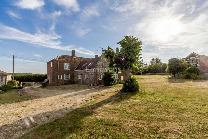 6 Bedrooms Country House Character Property for sale in Great Cressingham