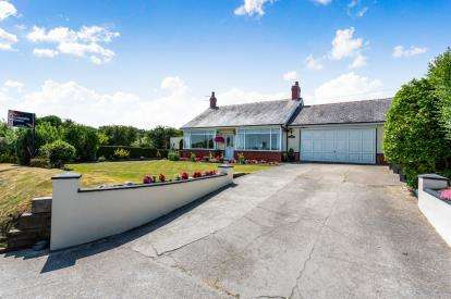 3 Bedrooms Bungalow for sale in Underbank Road, Thornton-Cleveleys, FY5
