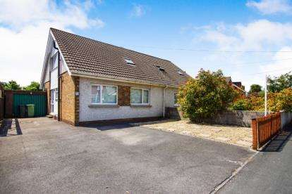 4 Bedrooms Bungalow for sale in Bourton Avenue, Patchway, Bristol, Gloucestershire