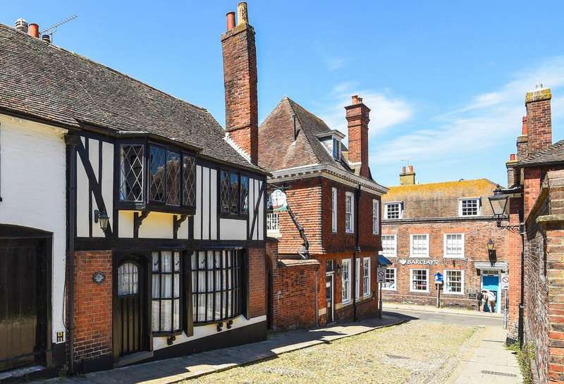 3 Bedrooms Town House for sale in West Street, Rye, East Sussex TN31 7ES