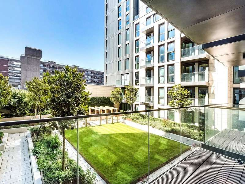 2 Bedrooms Apartment Flat for sale in Badon Road, Hammersmith, W6