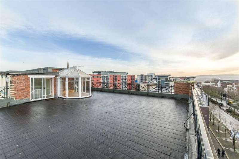 4 Bedrooms Flat for sale in Blenheim House, 145-147 Westgate Road, Newcastle, Tyne and Wear