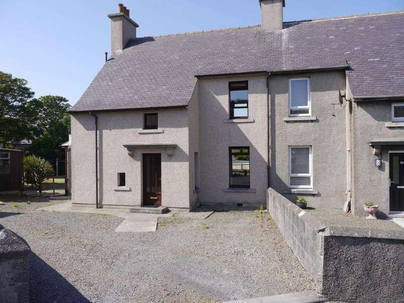 3 Bedrooms Semi Detached House for sale in 21 The Quadrant, Kirkwall