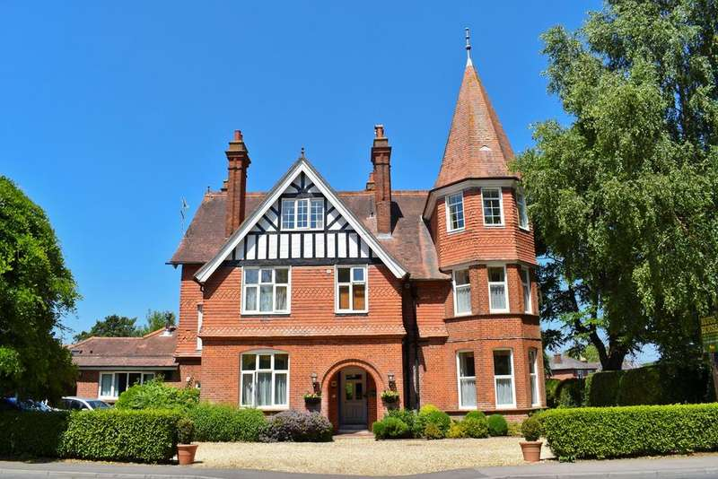 14 Bedrooms Detached House for sale in Southampton Road, Lyndhurst, SO43