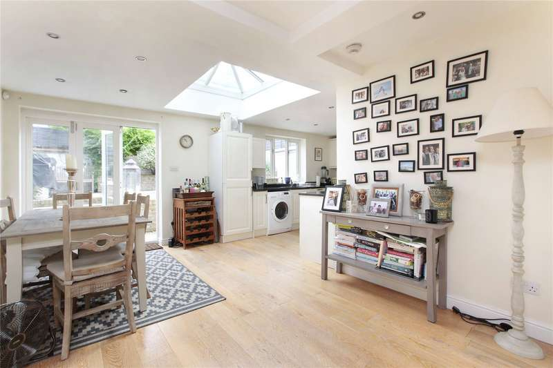 3 Bedrooms Apartment Flat for sale in Louvaine Road, Battersea, London, SW11
