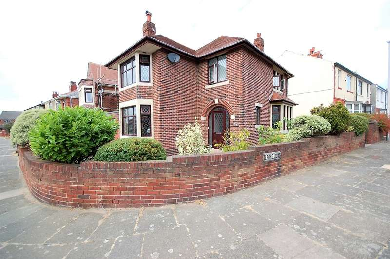 3 Bedrooms Detached House for sale in Arnott Road, Blackpool