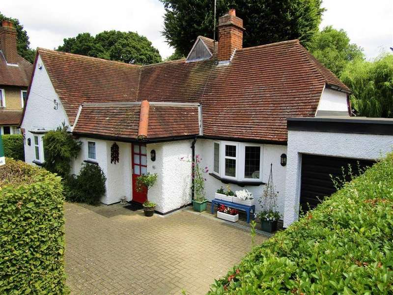 4 Bedrooms Detached House for sale in Lytton Avenue, Letchworth Garden City, SG6