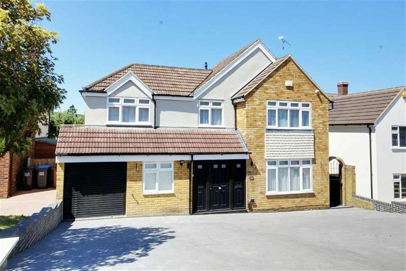 5 Bedrooms Detached House for sale in Warwick Avenue, Cuffley, Hertfordshire