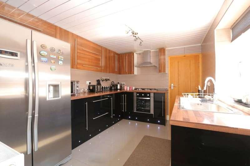 3 Bedrooms Property for sale in Edna Street, Hyde, SK14
