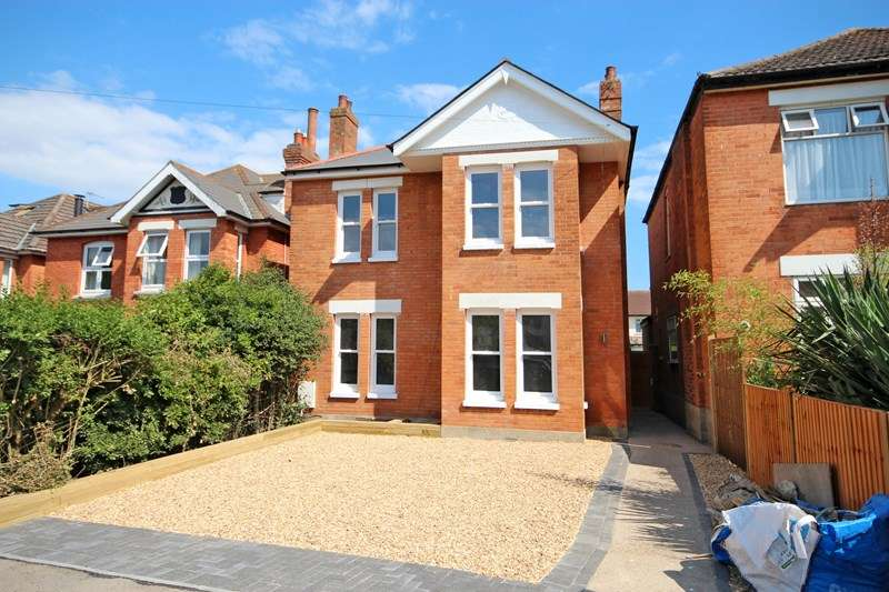 4 Bedrooms Detached House for sale in Arnewood Road, Southbourne, Bournemouth