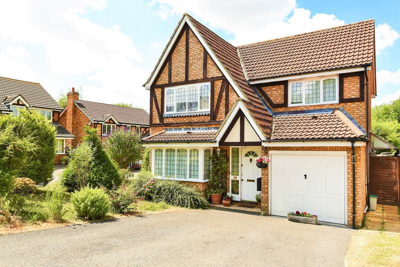 4 Bedrooms Detached House for sale in The Crofts, Hatch Warren, Basingstoke, RG22