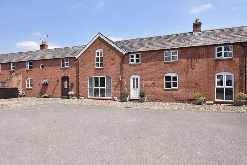 3 Bedrooms Barn Conversion Character Property for sale in King Street, Lach Dennis