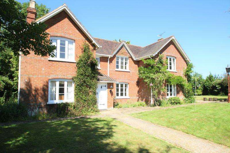 4 Bedrooms Detached House for sale in Wickham