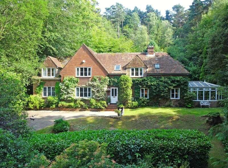 4 Bedrooms Property for sale in Stoney Bottom, Grayshott