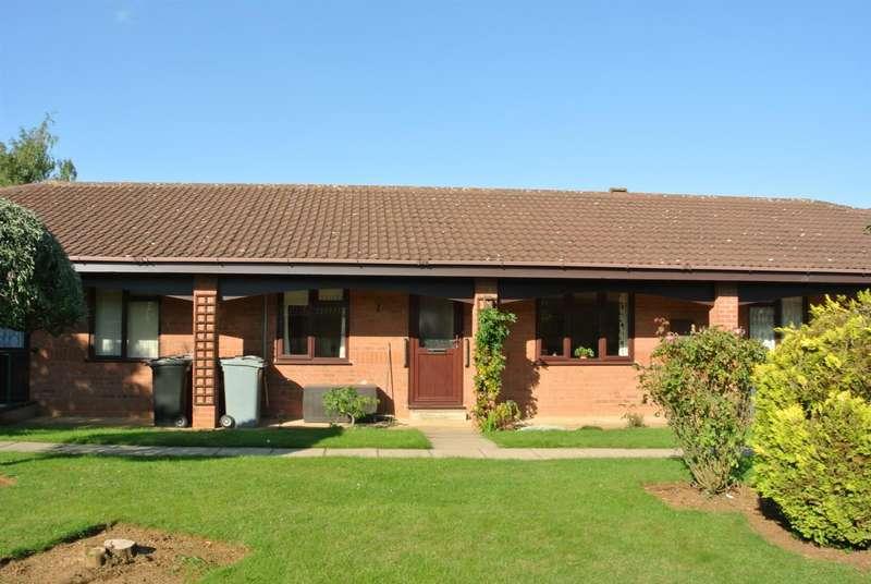 2 Bedrooms Property for sale in St. Edmunds Court, Grantham