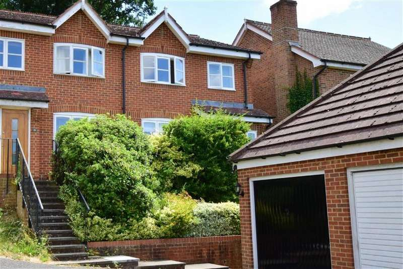 3 Bedrooms Semi Detached House for sale in Morlais, Emmer Green, Reading