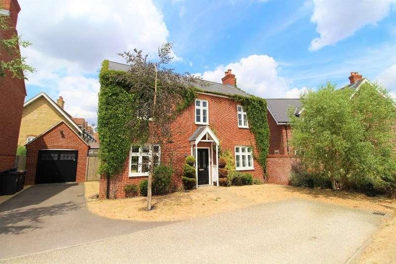 4 Bedrooms Detached House for sale in Woden Gardens, Great Denham MK40