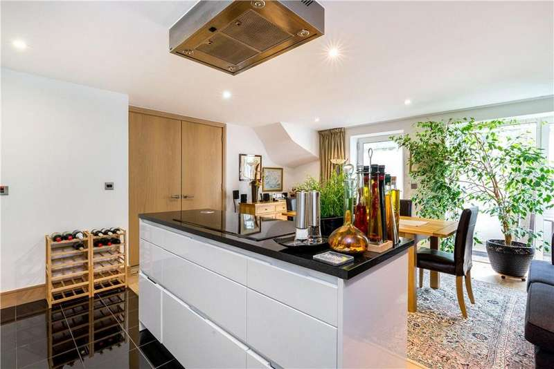 3 Bedrooms Mews House for sale in Printers Road, Stockwell, London, SW9