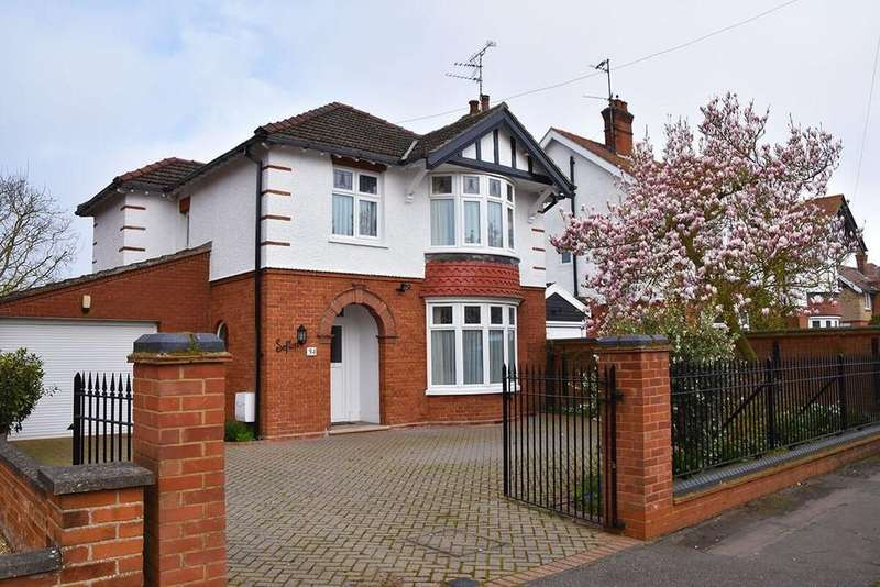 3 Bedrooms Detached House for sale in Regent Avenue, March
