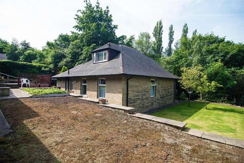 3 Bedrooms Detached Bungalow for sale in Almondbury Bank, Almondbury, Huddersfield, HD5 8EL