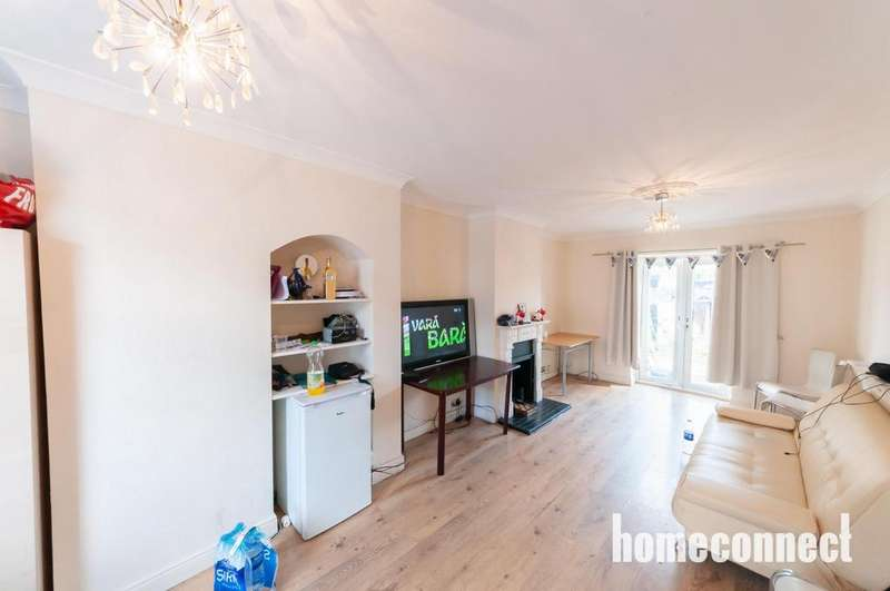 3 Bedrooms Terraced House for sale in Cornwallis Road, Dagenham, RM9