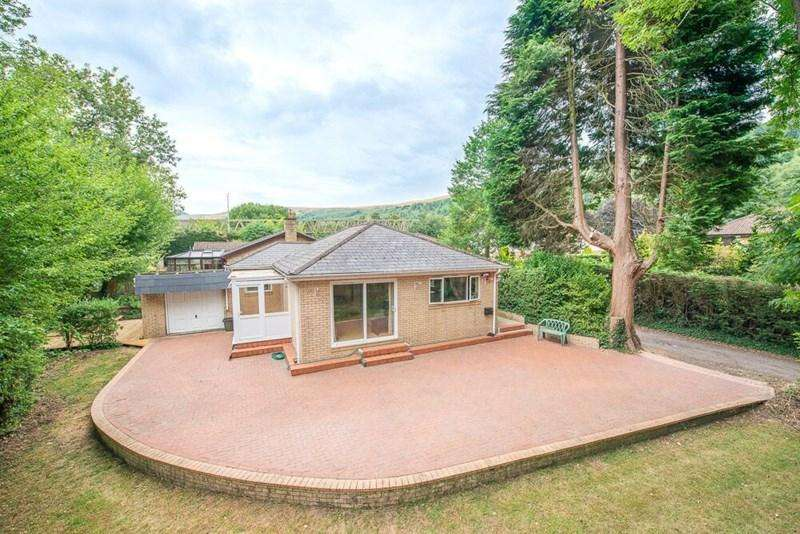 2 Bedrooms Bungalow for sale in Llanwonno Road,The Maindy, Ynyshir, Porth