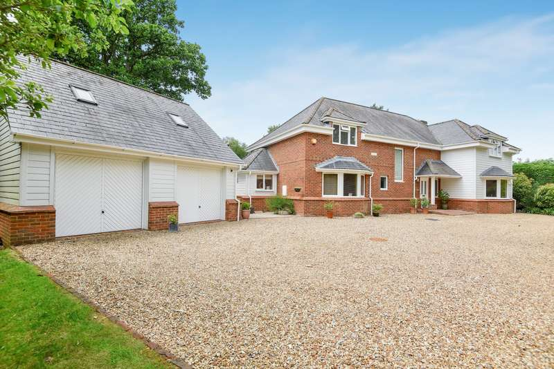 5 Bedrooms Detached House for sale in Pardown, Oakley