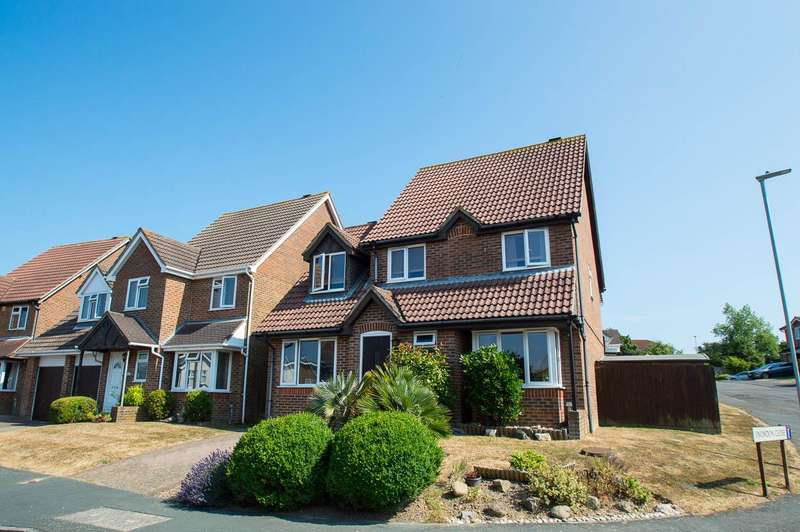 3 Bedrooms Detached House for sale in Mendip Avenue, Eastbourne