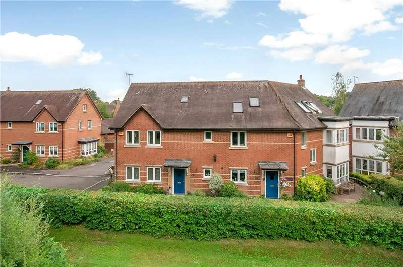 4 Bedrooms Semi Detached House for sale in Newton Lane, Romsey, Hampshire, SO51