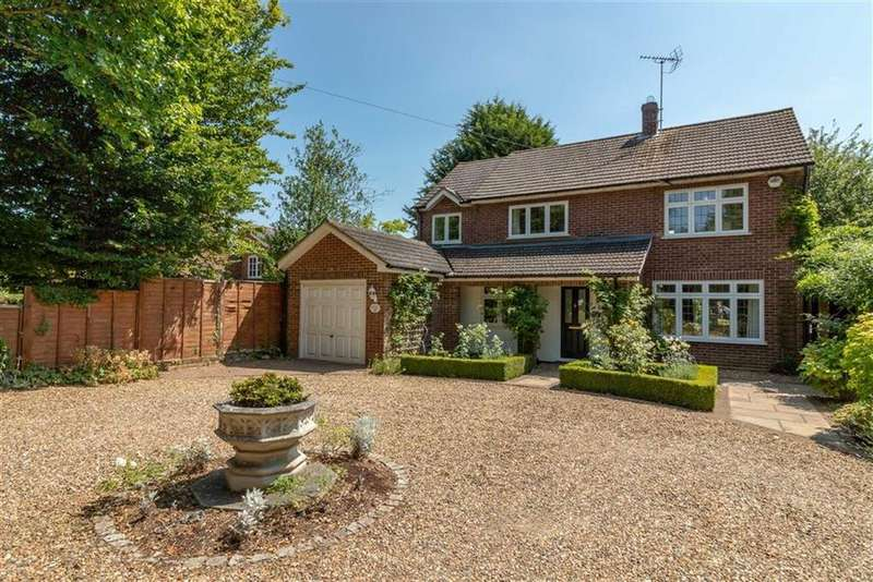 4 Bedrooms Detached House for sale in Mill Lane, Gosmore, SG4