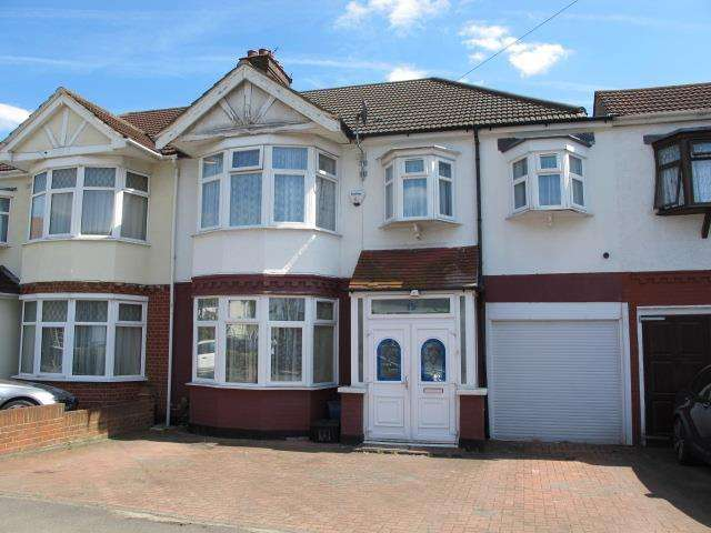 4 Bedrooms Semi Detached House for sale in Onslow Gardens, South Woodford, E18