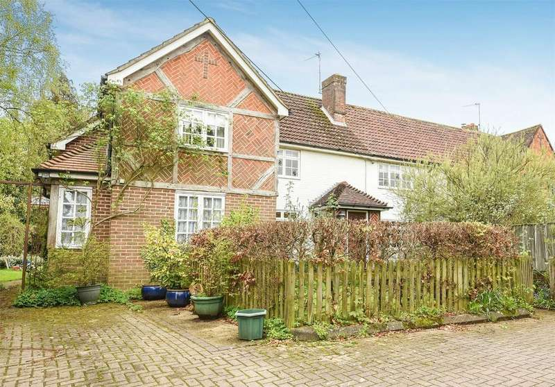 4 Bedrooms Semi Detached House for sale in Coppice Hill, Bishops Waltham, Hampshire