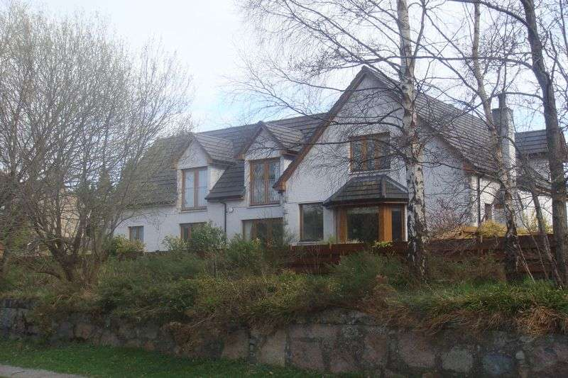 4 Bedrooms Property for sale in Station Court, Aberlour