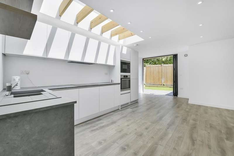 2 Bedrooms Lodge Character Property for sale in Lodge House, London, SE1