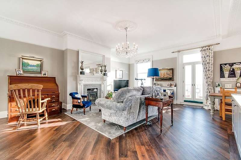 3 Bedrooms Flat for sale in Victoria Mansions Victoria Parade, Ramsgate, CT11