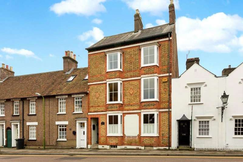 3 Bedrooms Terraced House for sale in Castle Street, Berkhamsted, Hertfordshire, HP4