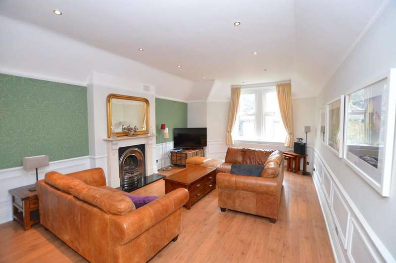 4 Bedrooms Flat for sale in Court Road, Eltham SE9
