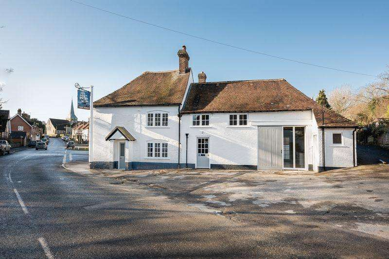 3 Bedrooms Cottage House for sale in Beautifully refurbished Grade II listed semi-detached property