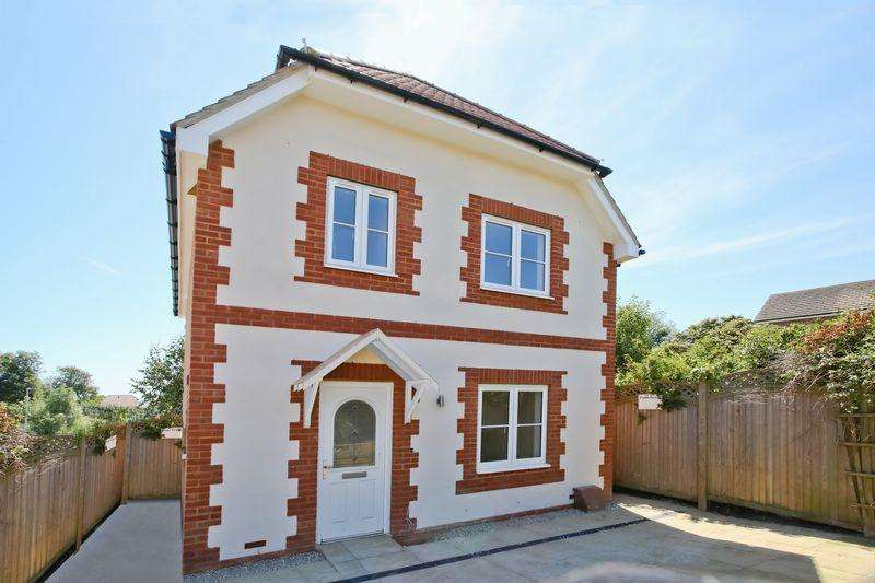 3 Bedrooms Detached House for sale in Reef Way, Hailsham, East Sussex