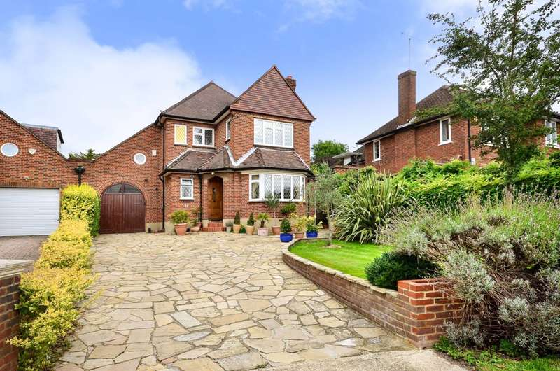 4 Bedrooms Detached House for sale in Burghley Avenue, Coombe, KT3