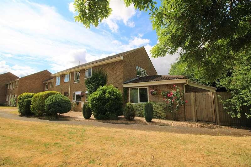 5 Bedrooms End Of Terrace House for sale in Arran Close, Oakley, Basingstoke, RG23