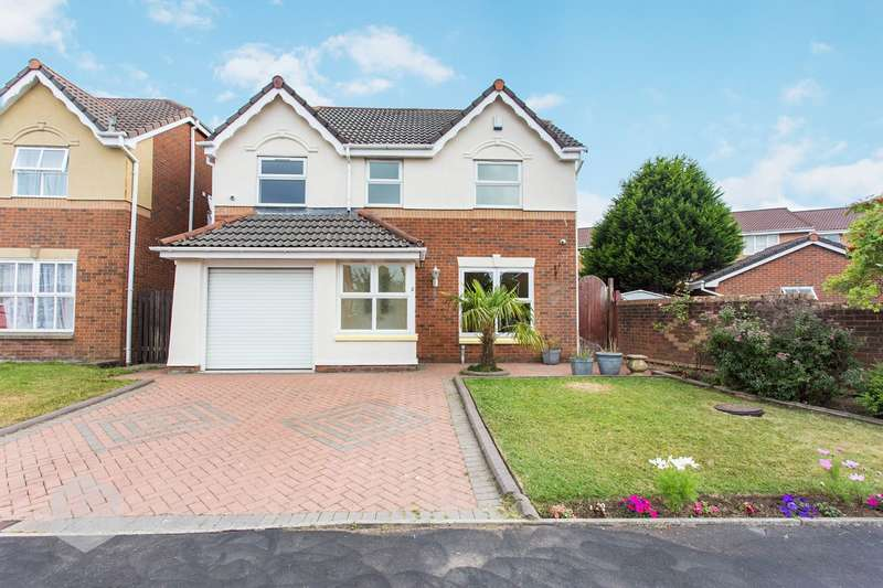4 Bedrooms Detached House for sale in Balmore Close, Bolton, BL3
