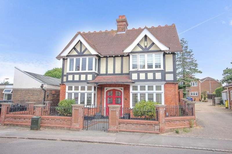 4 Bedrooms Unique Property for sale in Bedford Road, Barton-Le-clay, MK45